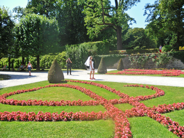 Mirabel Garden. Eh ada yang lagi pre-wed