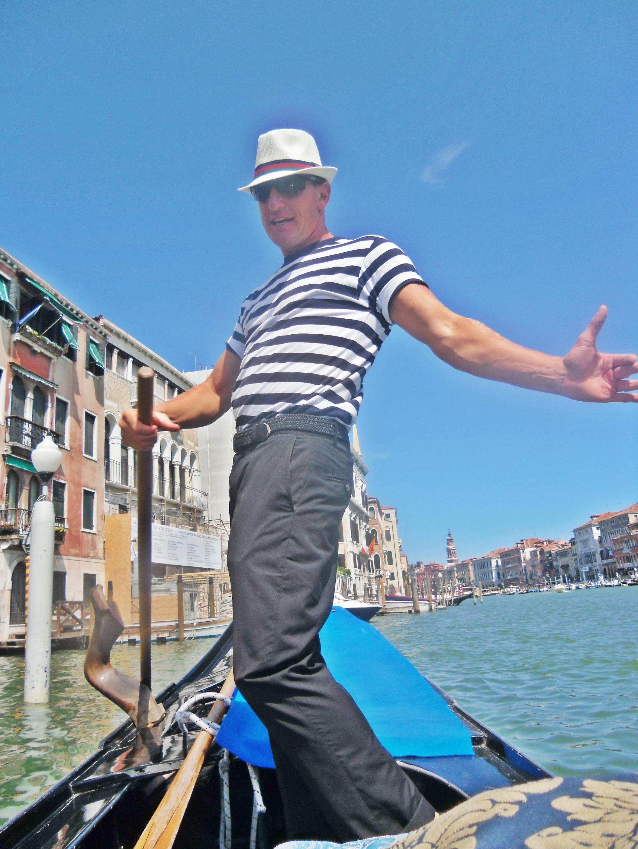 Si Mas Supir Gondola yang gak bisa diem