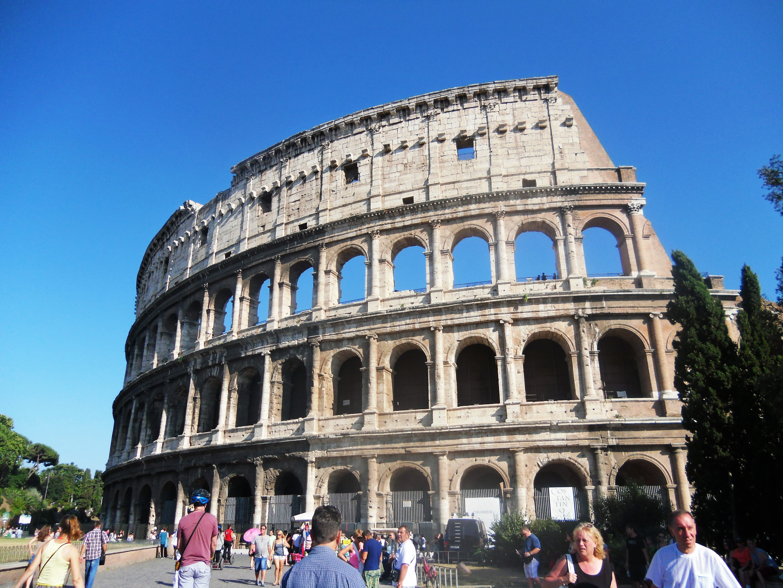 Colosseo tampak luar