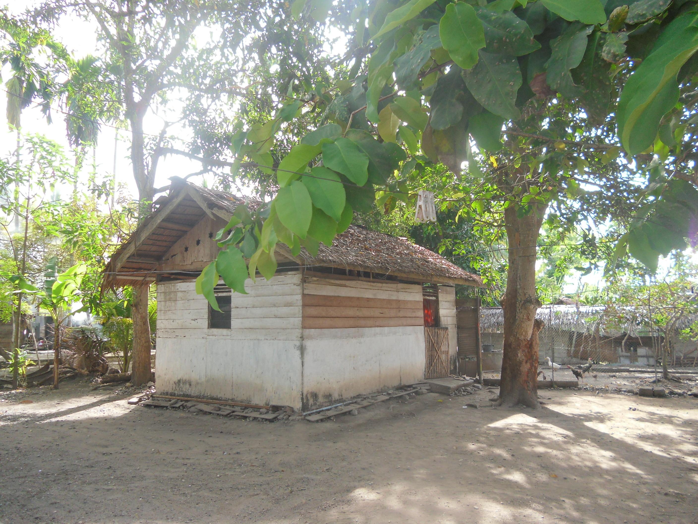 Kamarnya Syik, kepisah dengan rumah utama