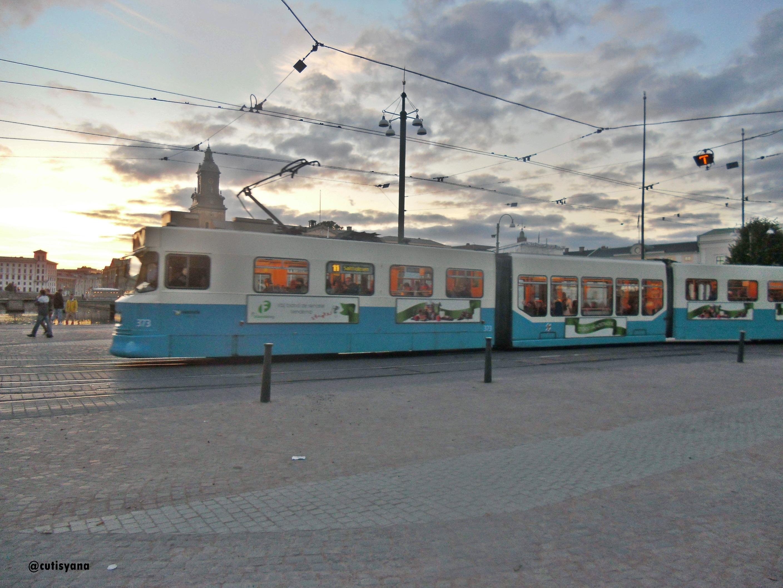 Trem di alun-alun